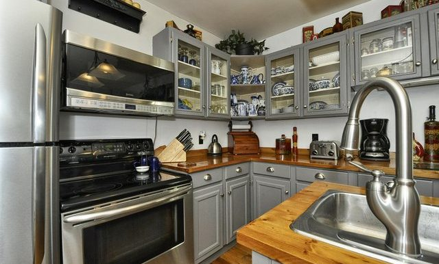 15-Kitchen View 2