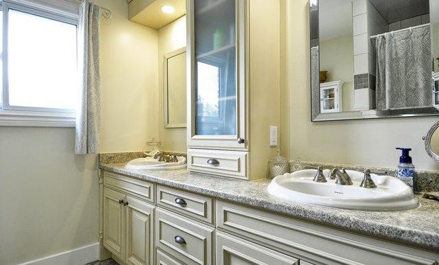 28-Main Bathroom