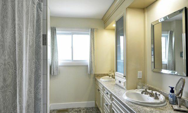 29-Main Bathroom View