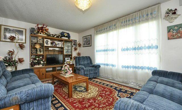 14-Family Room