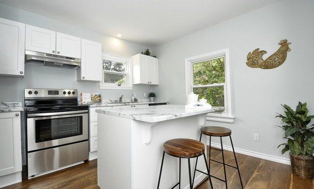 14-Kitchen View