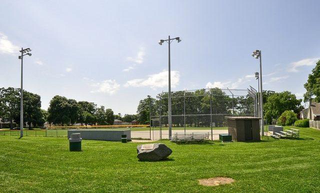 31-Baseball Diamonds