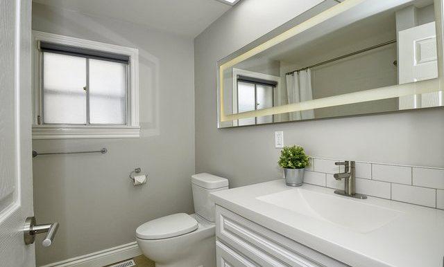 18-Bathroom
