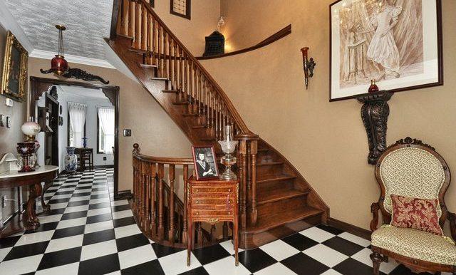 28-Stairway