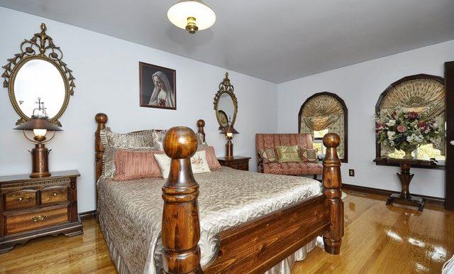 33-Master Bedroom View