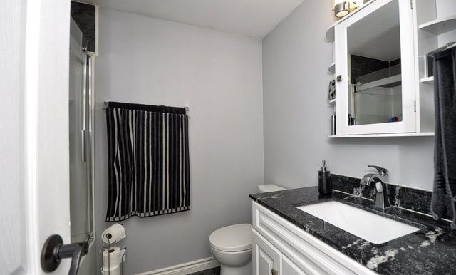 18-4 Piece Bathroom