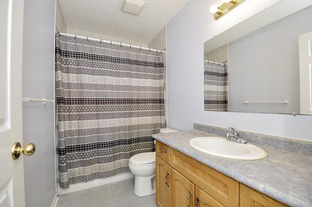 23-Upper Bathroom