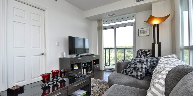 15-Living Area View