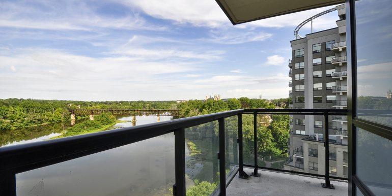 16-Balcony View