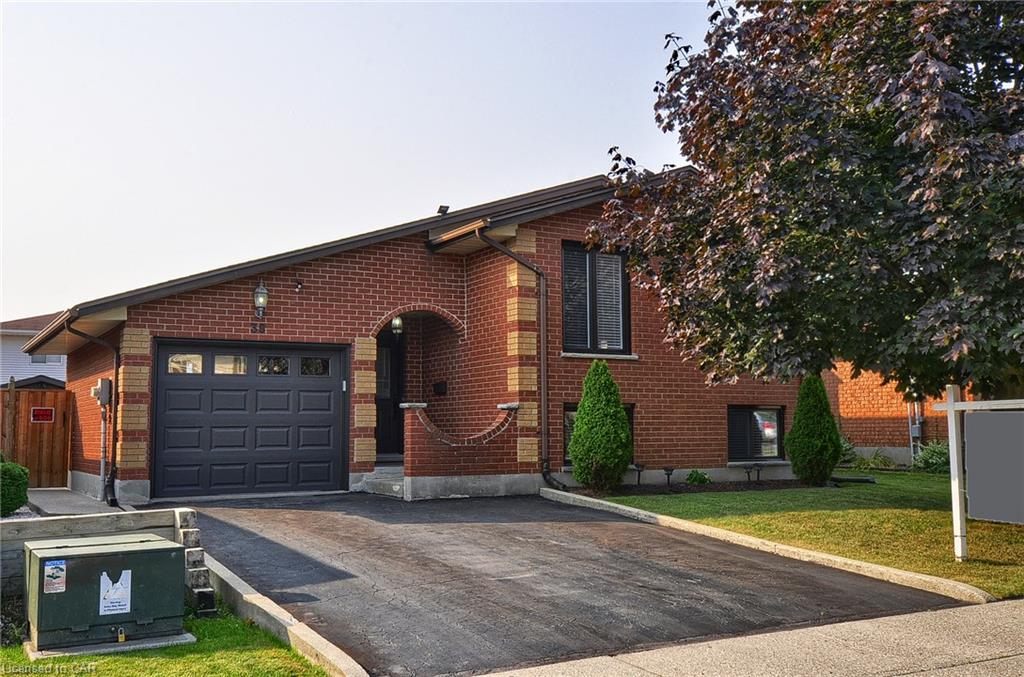 39 Southview Cres SOLD