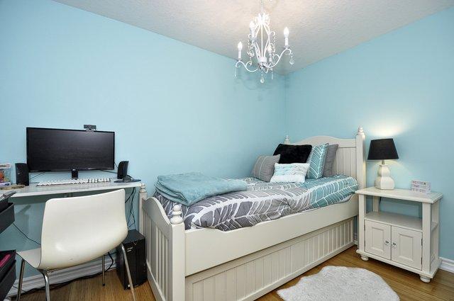 25-Bedroom 3 View