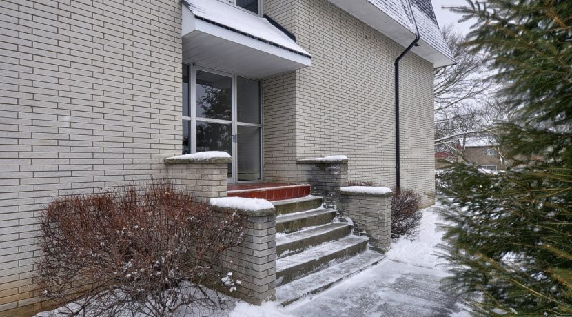 Back Entrance-H768