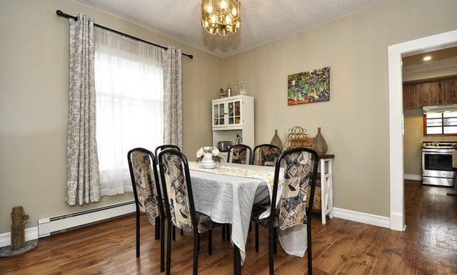 10-Dining Area