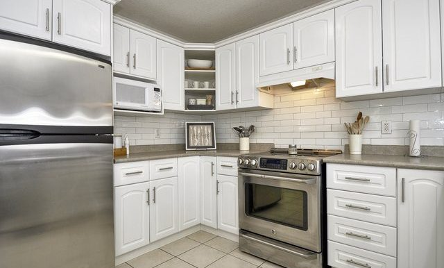 10-Kitchen View