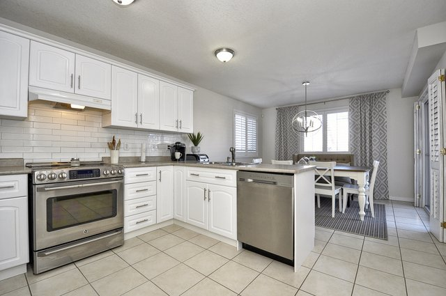 13-Kitchen View 4