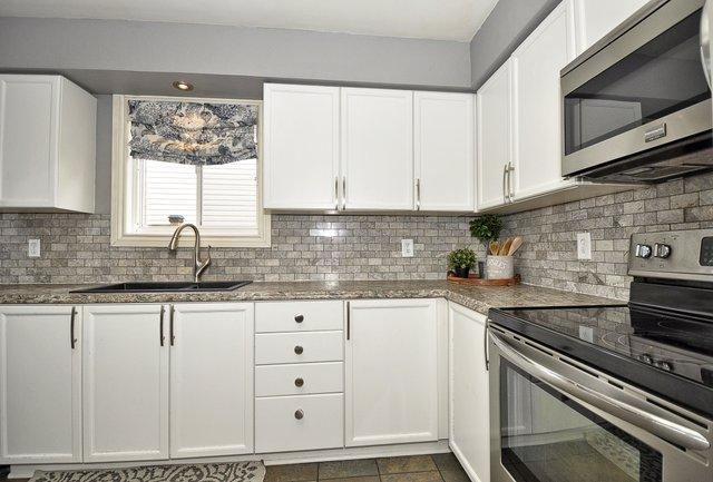 17-Kitchen View 4
