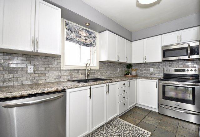 18-Kitchen View 5