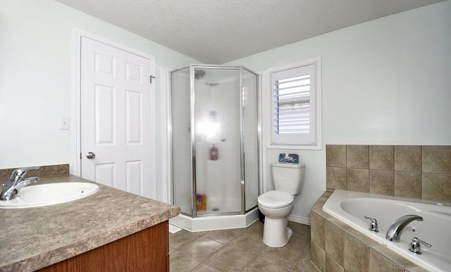 26-Shared Ensuite View