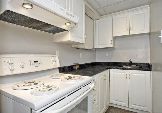 32-Lower-Kitchen
