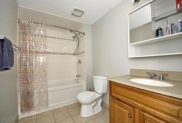 37-Lower-Bathroom