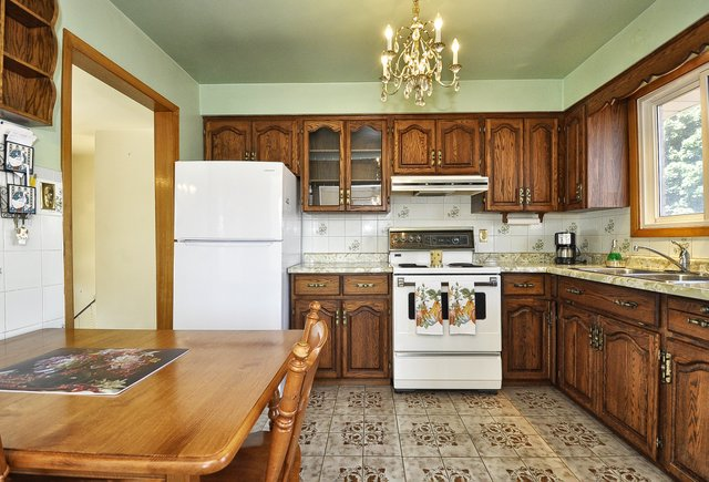 11-Kitchen-001