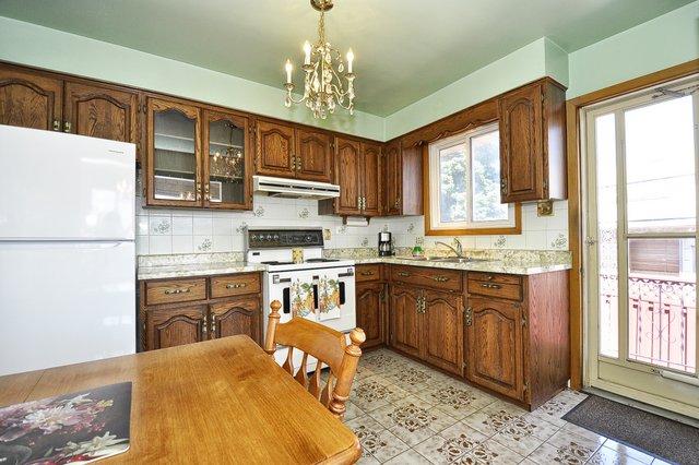 12-Kitchen-View-001