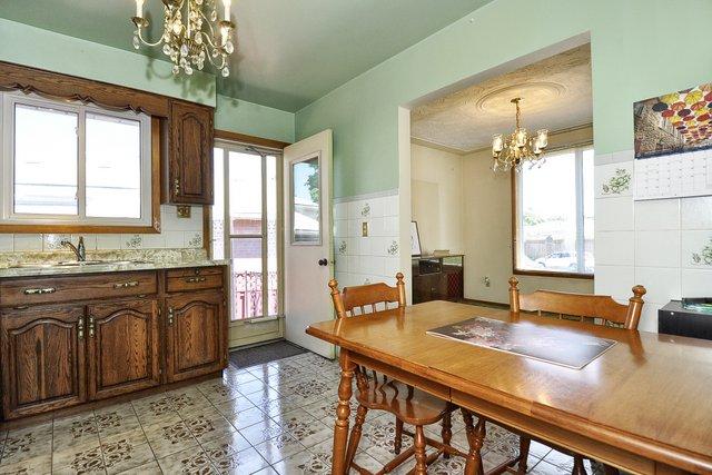 15-Kitchen-View-005