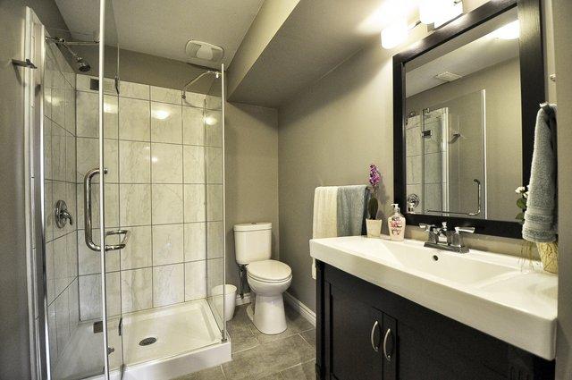 33-Lower-Bathroom