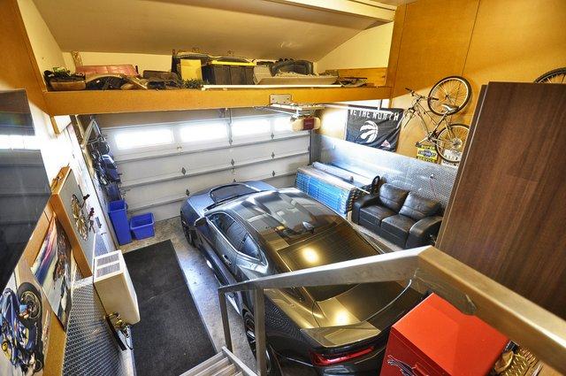 35-Garage-View