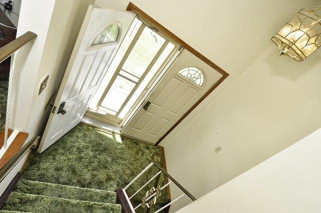 6-Foyer