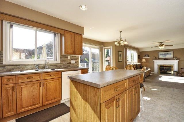 17-Kitchen-View-4