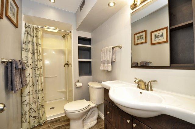 38-Lower-Bathroom